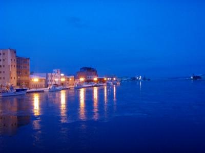 冬の早朝~幣舞橋から釧路川
