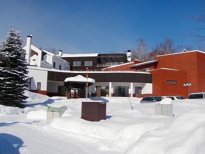 芸森スタジオ雪の朝