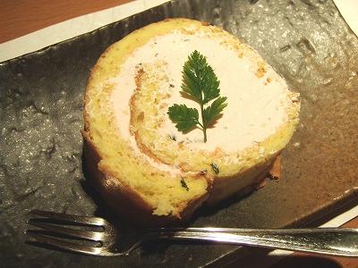 さくら京屋の桜ロールケーキ