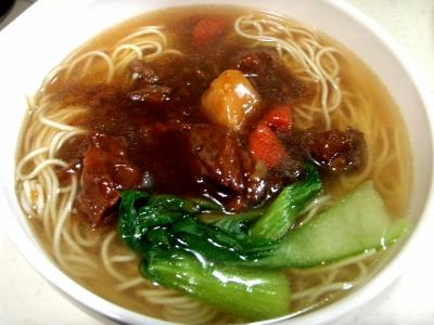 上海朝食肉麺