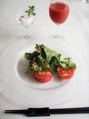 ファームレストランミュー朝食ジュースサラダヨーグルト