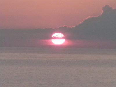 るもい海のふるさと館テラスからの夕陽最後