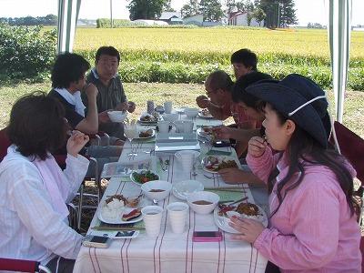 みたむら農園レストランみなさんテーブル