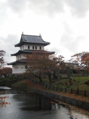 秋の松前城天守閣