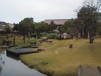 九谷焼美術館庭から