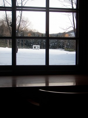 カフェアルテの窓外