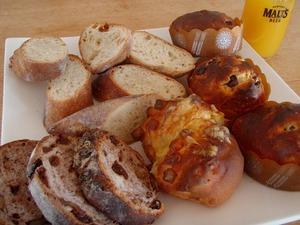 ヴェルジネのパン朝食