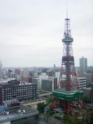 札幌市役所からテレビ塔