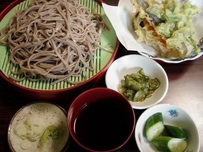 八海神社野菜天ぷら蕎麦