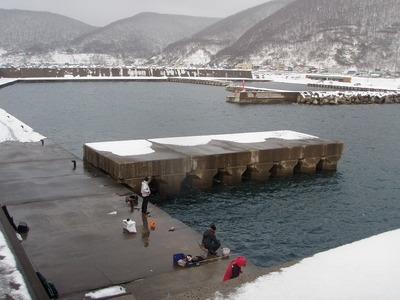 積丹漁港全景