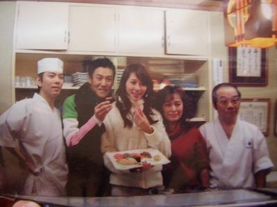 吟寿司のリン・チーリン写真