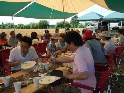 2011小麦畑でレストラン!