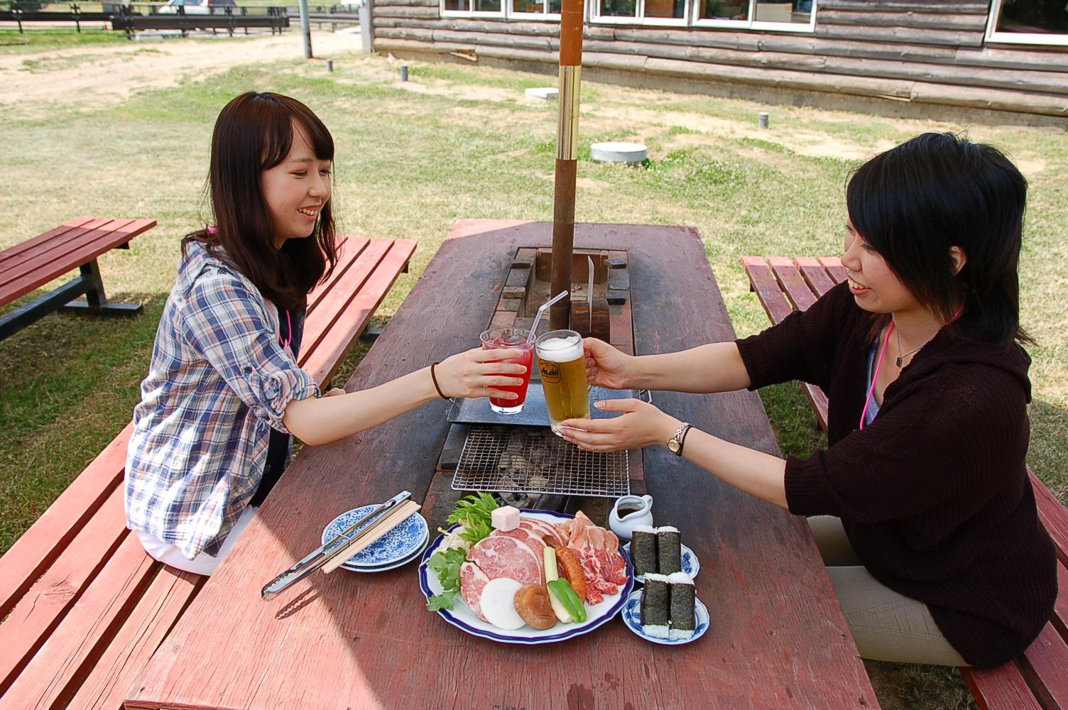 八剣山果樹園,BBQ