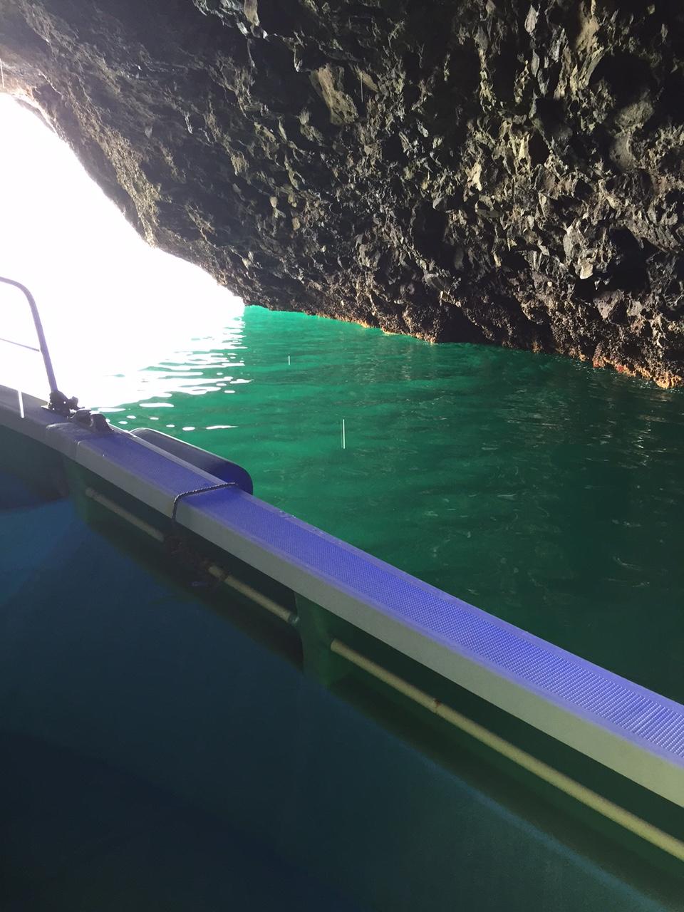 矢越海岸 青の洞窟